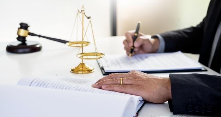 giudice-decreto-ingiuntivo